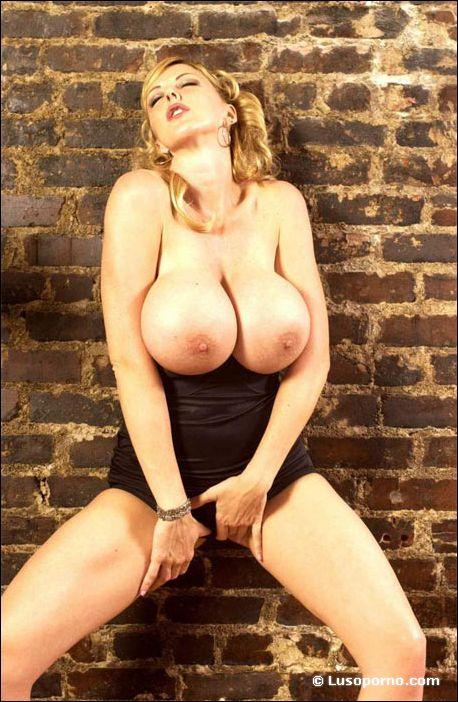 gros seins anal fantasia com