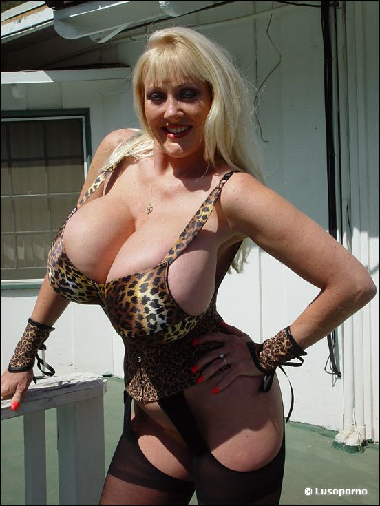 Kayla Kleevage - Bigtit Movies - Gigantic Boobs Pornstars Hardcore