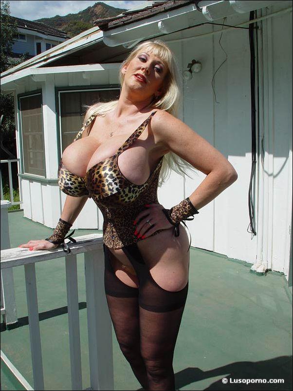 controversial nude photos