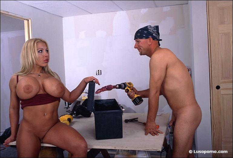 Angelia joile nude vidioes
