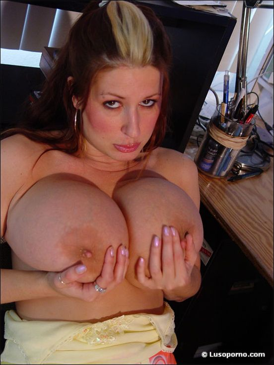 6movies com big black toy in blonde pussy 7
