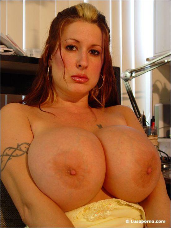 Big tits moves