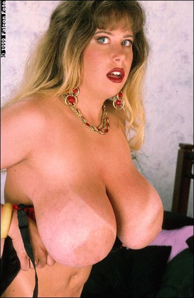 Big tits voluptuous movie